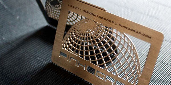globe metal business card 30 Great Looking Metal Business Cards