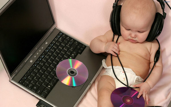 baby listening to music 25 Adorable Baby Pictures Wallpapers