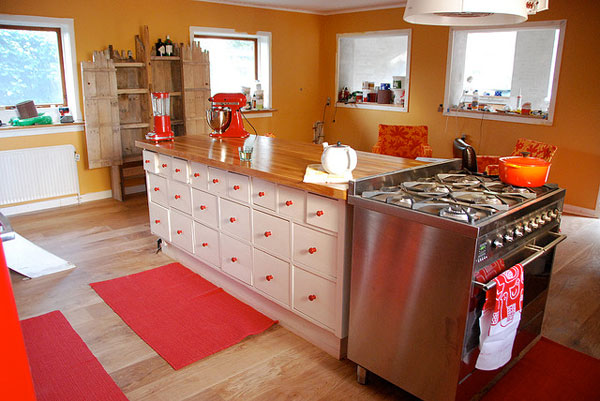 21-drawer Kitchen