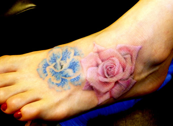 flowers 15 Awesome Looking Foot Tattoos