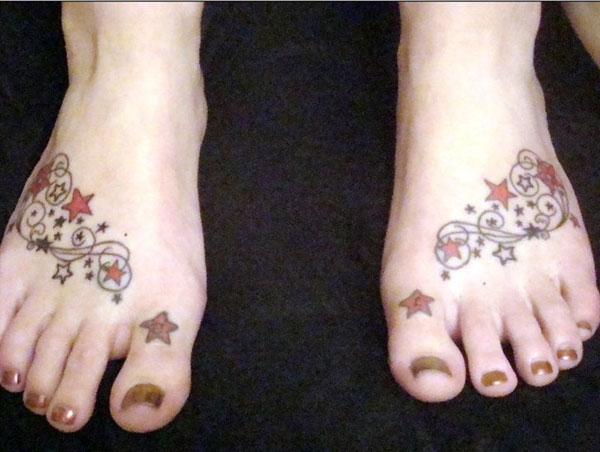 stars 15 Awesome Looking Foot Tattoos