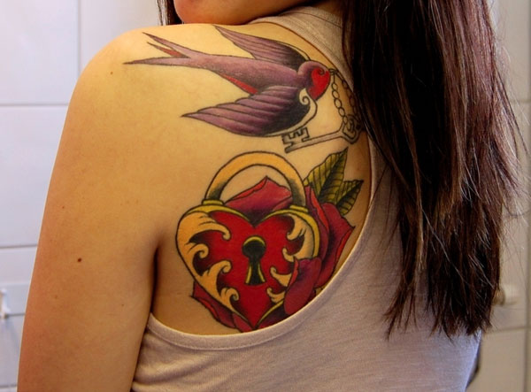 other shoulder 25 Top Heart Tattoos