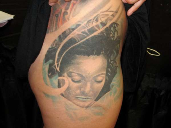 girl portrait hip tattoo 15 Sexy Hip Tattoos