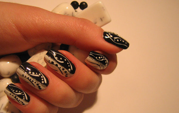 love nail art 25 Really Beautiful Nail Art Designs