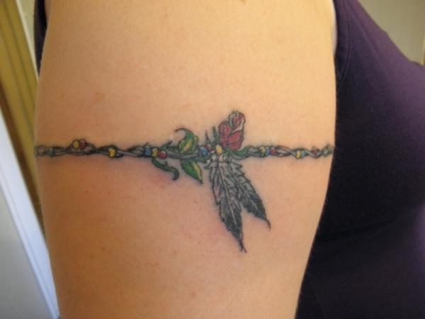 floral armband 15 Cool Armband Tattoos