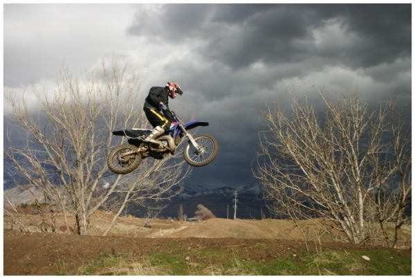 dirtbike jump 20 Enthralling Dirt Bike Pictures
