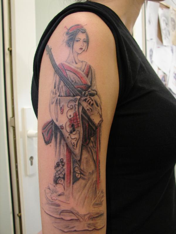 geisha with a gun 15 Japanese Tattoo Designs