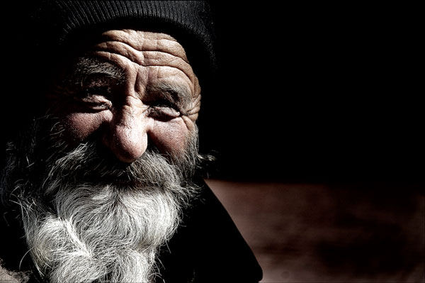 old man smiling 25 Heart Warming Pictures of Old People