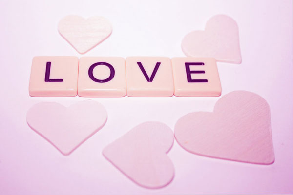 wooden love 60 Love Filled Valentine Day Cards and Backgrounds