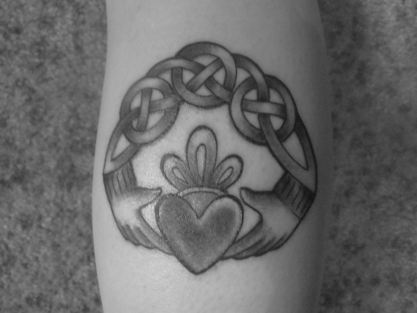 claddagh tattoo 25 Awesome Celtic Knot Tattoos