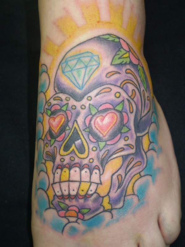 diamond heart skull 15 Awesome Girly Skull Tattoos