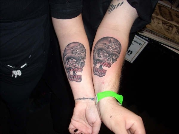 friends forever skull 15 Awesome Girly Skull Tattoos