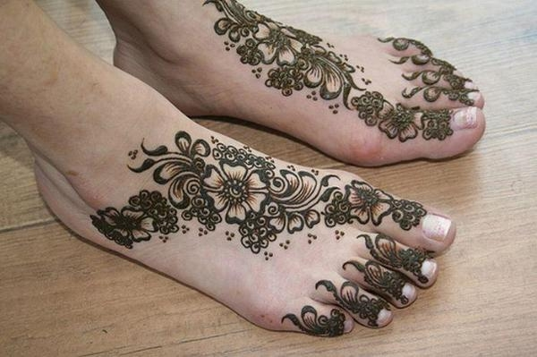 beautiful foot henna design 25 Excellent Henna Tattoo Designs