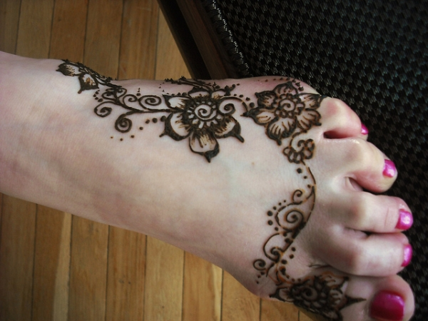 foot henna 25 Excellent Henna Tattoo Designs