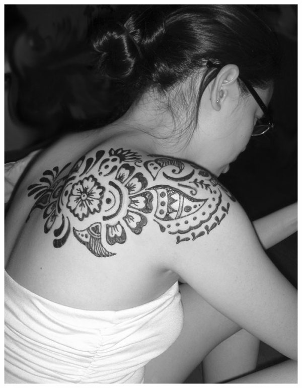 henna for the shoulder 25 Excellent Henna Tattoo Designs