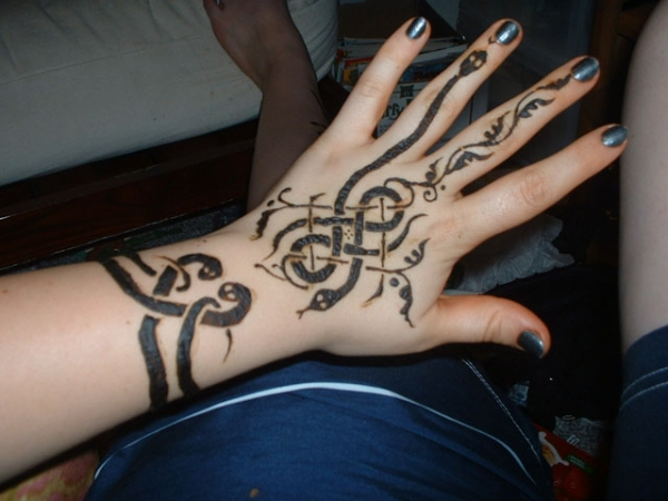Henna Tattoo On Hands Meaning : 25 excellent henna tattoo designs slodive