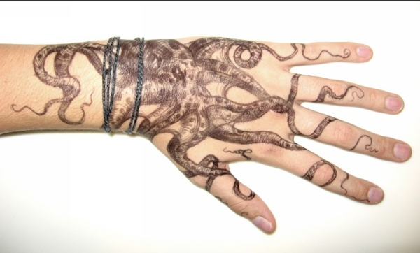hand octopus 15 Amazing Octopus Tattoo Designs