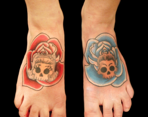 skulls with roses 25 Awesome Old School Tattoos
