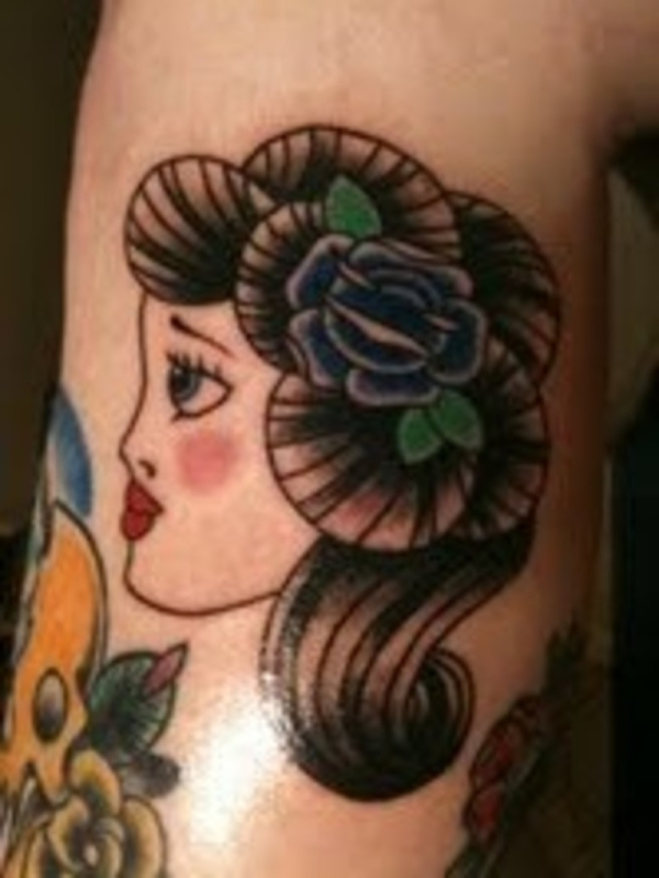 traditional girl 25 Awesome Old School Tattoos