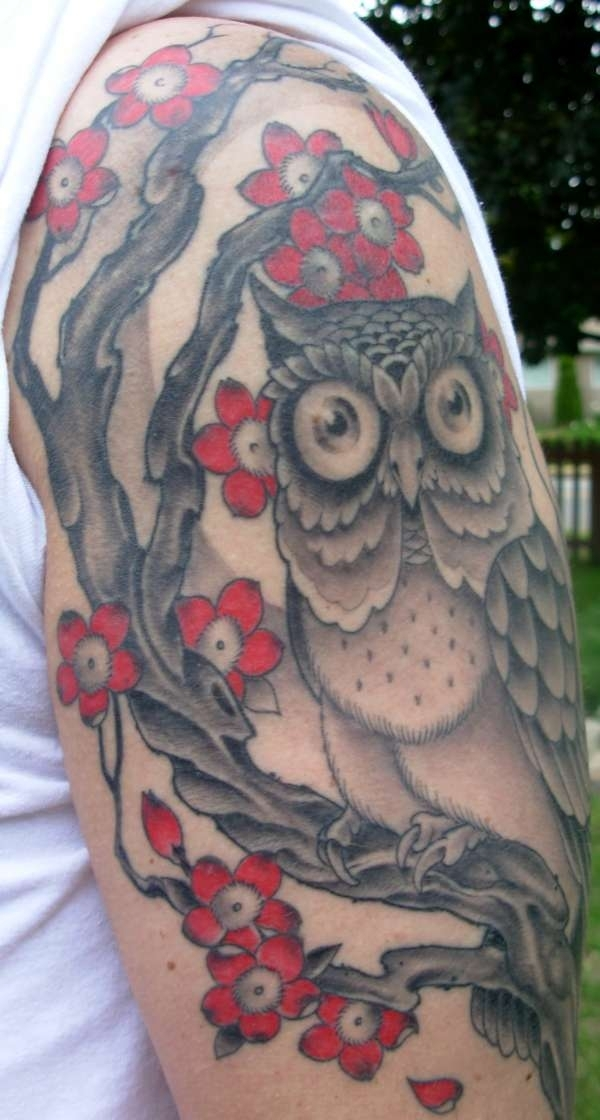 owl and roses 20 Awesome Owl Tattoo Designs