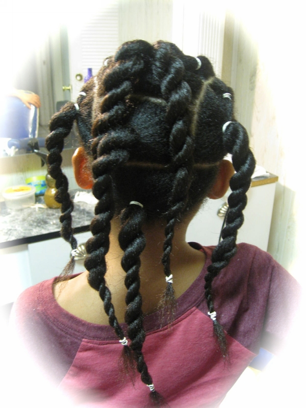 twist ponytails 30 Cute Hairstyles For School