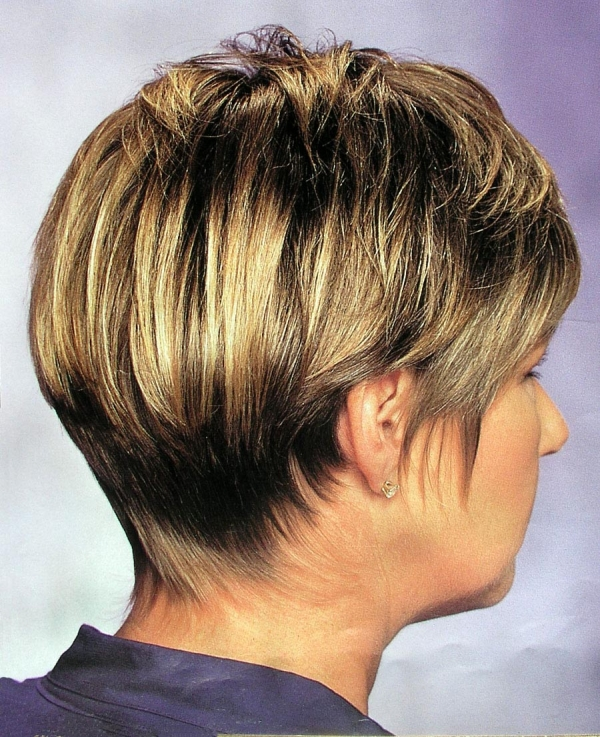 crop blonde hairstyle 30 Short Hair Styles For Thick Hair Which You Will Love