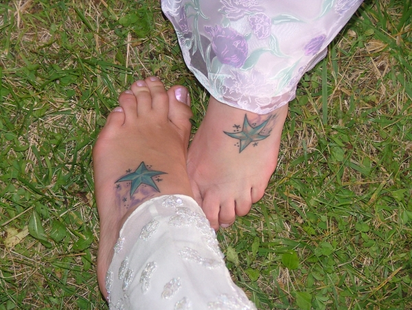 matching sister foot tattoo 25 Lovely Sister Tattoos