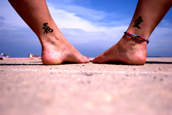 sister foot tattoo 25 Lovely Sister Tattoos