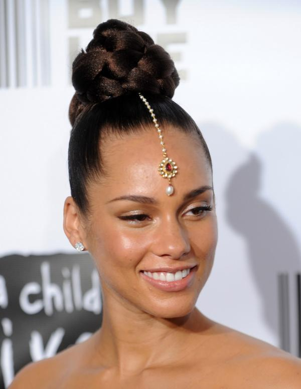 Alicia Keys Cool Bun