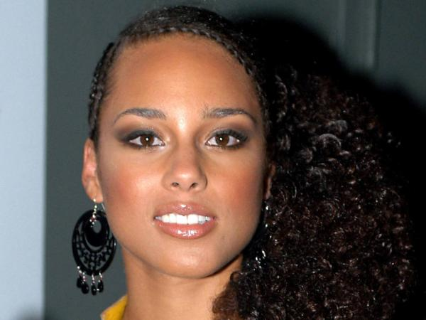 Alicia Keys Braids In Fallin | galleryhip.com - The Hippest Galleries!: galleryhip.com/alicia-keys-braids-in-fallin.html