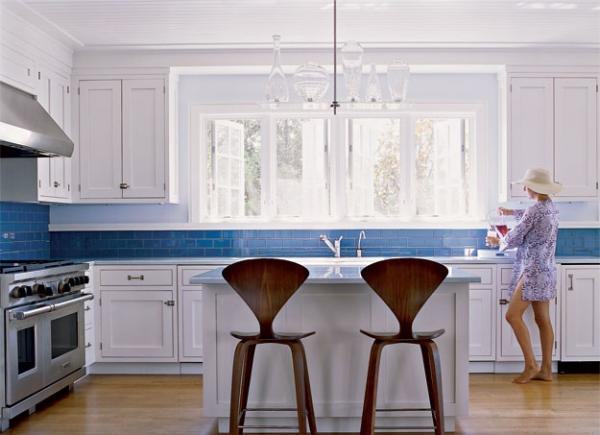 Perfect Blue White Kitchen