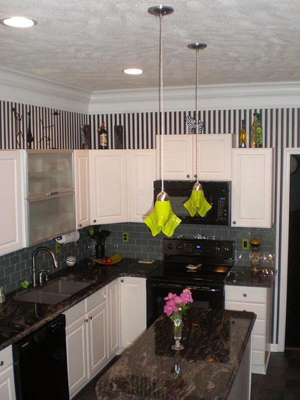 Pendant Lights Above Kitchen Island