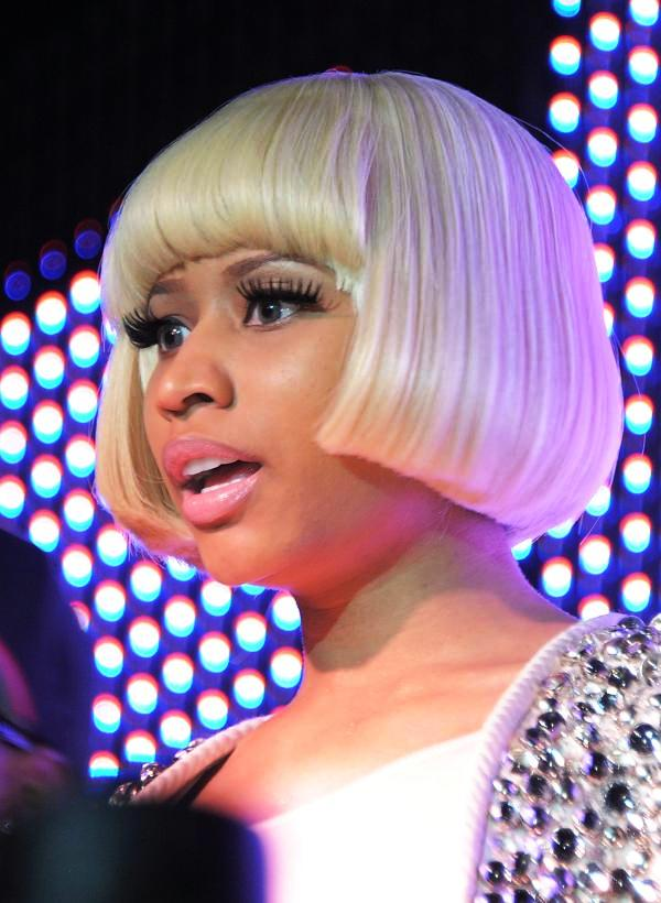 Nicki Minaj Short Golden Hair