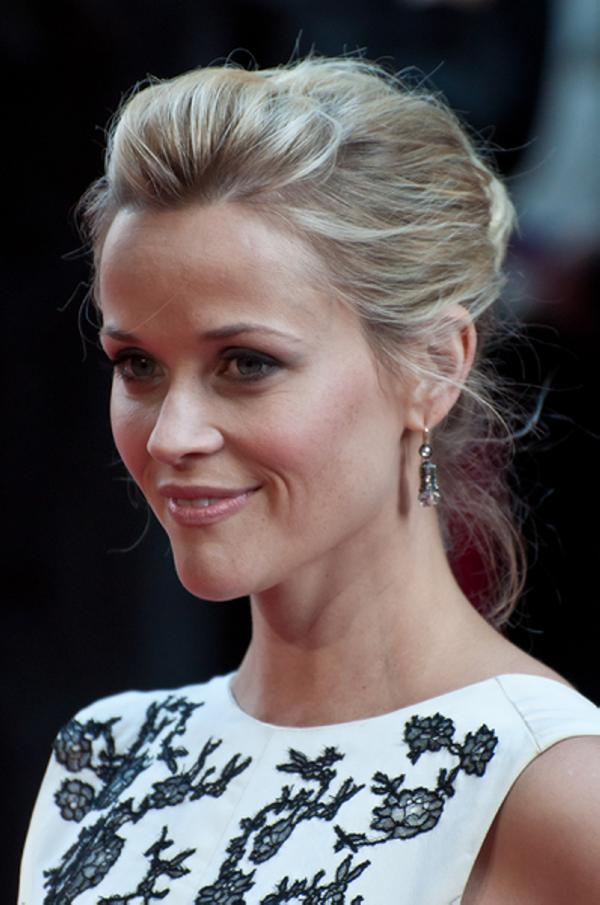 30 Glorious Reese Witherspoon Hairstyles Slodive