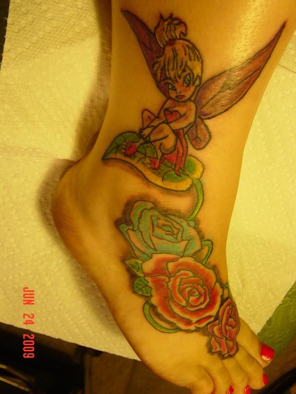 tinkerbell with roses 25 Cute Tinkerbell Tattoos