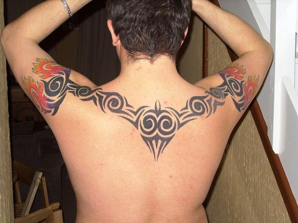 Lukes Tribal Back Tattoo