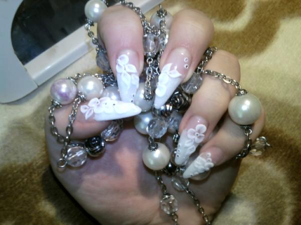 Pointed White Nails With Flower