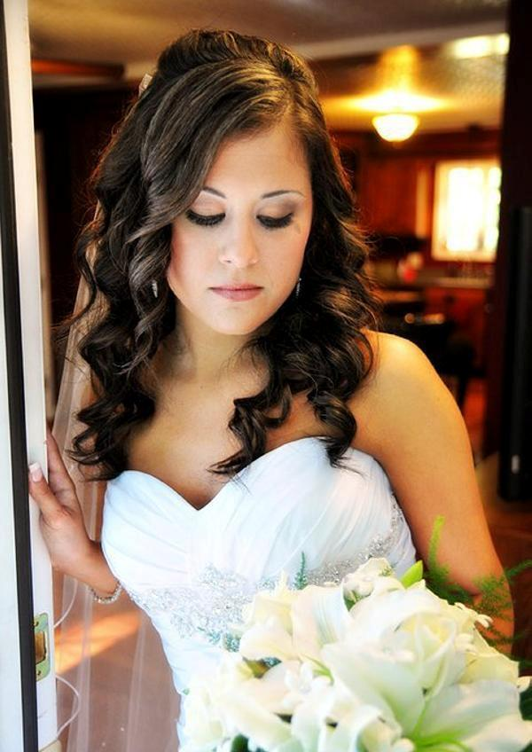 Swell 30 Tremendous Bridal Hairstyles For Long Hair Slodive Hairstyle Inspiration Daily Dogsangcom