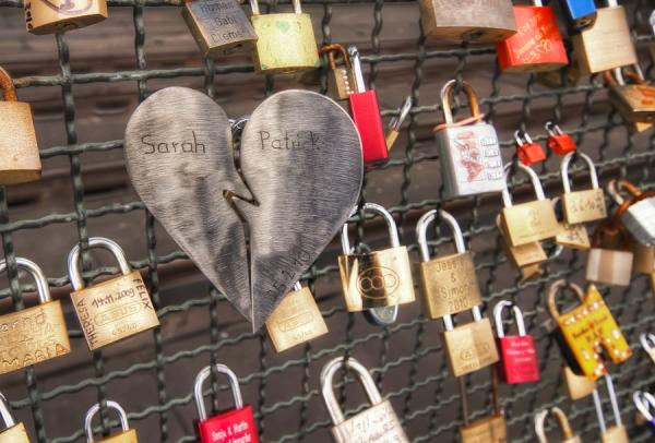 Broken Heart Lock