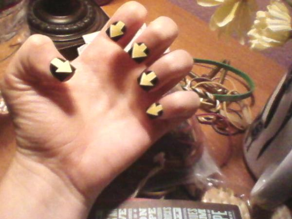 Yellow Arrows Nails