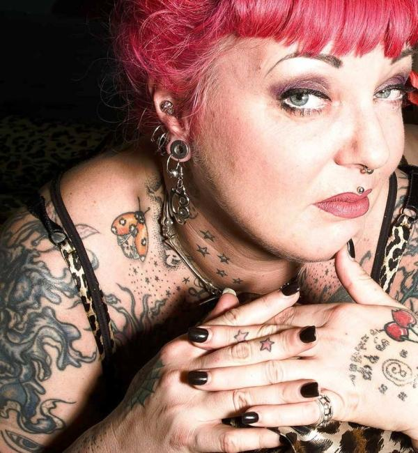 queen of tattoo 35 Awesomely Crazy Tattoos