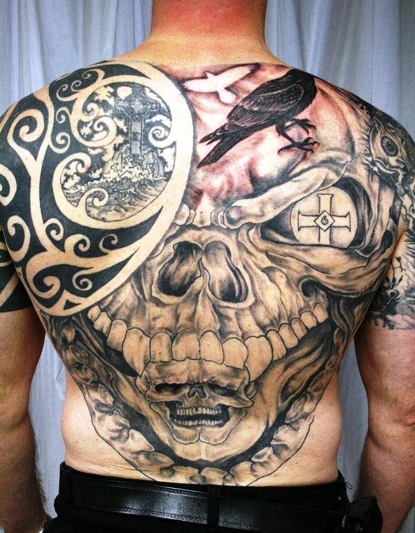 skull celtic backpiece 35 Awesomely Crazy Tattoos