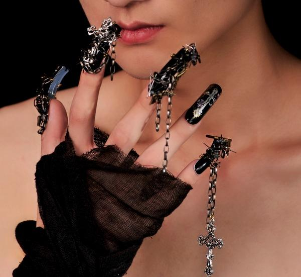 Black Nails With Chains