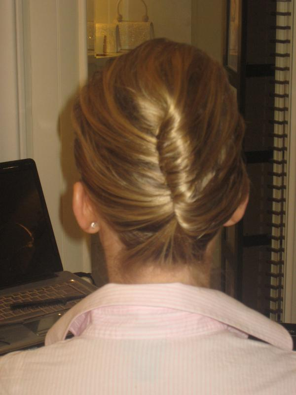 classic french bun 40 Gorgeous Easy Hairstyles For Long Hair