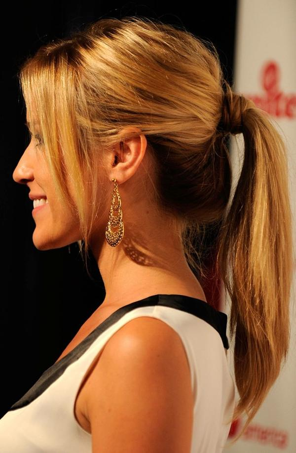Hairstyles In Ponytails : 40 Gorgeous Easy Hairstyles For Long Hair - SloDive