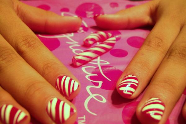 candy cane 40 Easy Nail Designs You Can Try Any Day