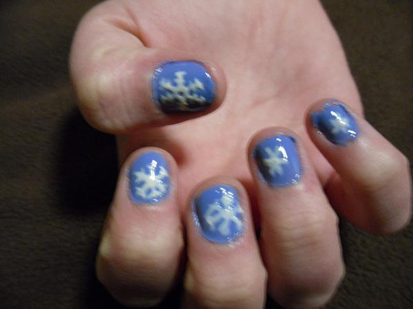 snow flakes 40 Easy Nail Designs You Can Try Any Day