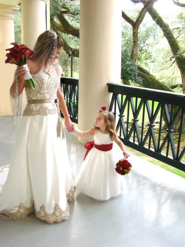 bride n flower girl 30 Beautiful Half Up Half Down Wedding Hairstyles