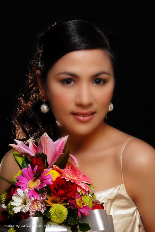 bride with flower pot 30 Beautiful Half Up Half Down Wedding Hairstyles