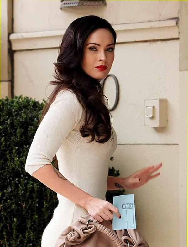 Megan Fox Looking Stunning